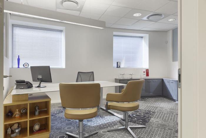 עיצוב חדר מנכ