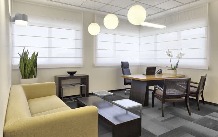 עיצוב משרד מנהל בעיצוב יוקרתי באוירה נעימה במשרדים לחברת טקסטיל