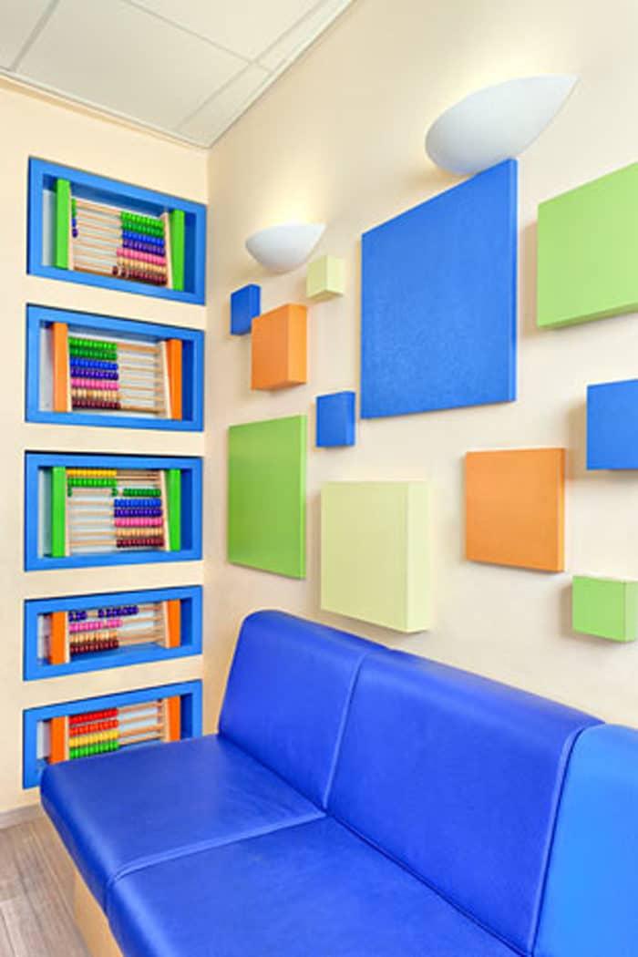 עיצוב פנים צבעוני במרפאת שיניים לילדים