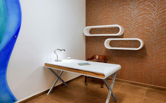 עיצוב משרד ביתי בדירה לדוגמא