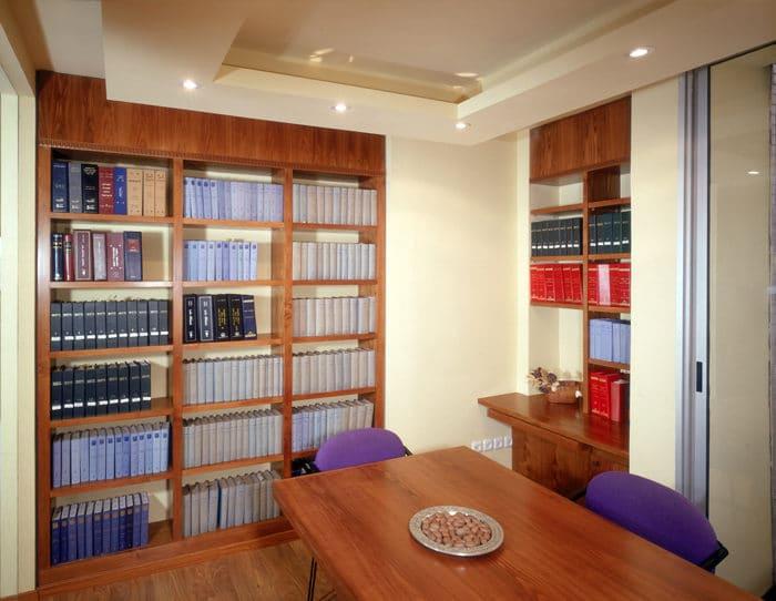 עיצוב חדר ישיבות במשרד עורכי דין