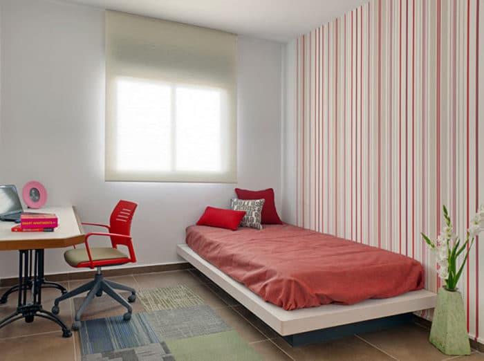 חדר שינה מעוצב לנערה בגווני אדום